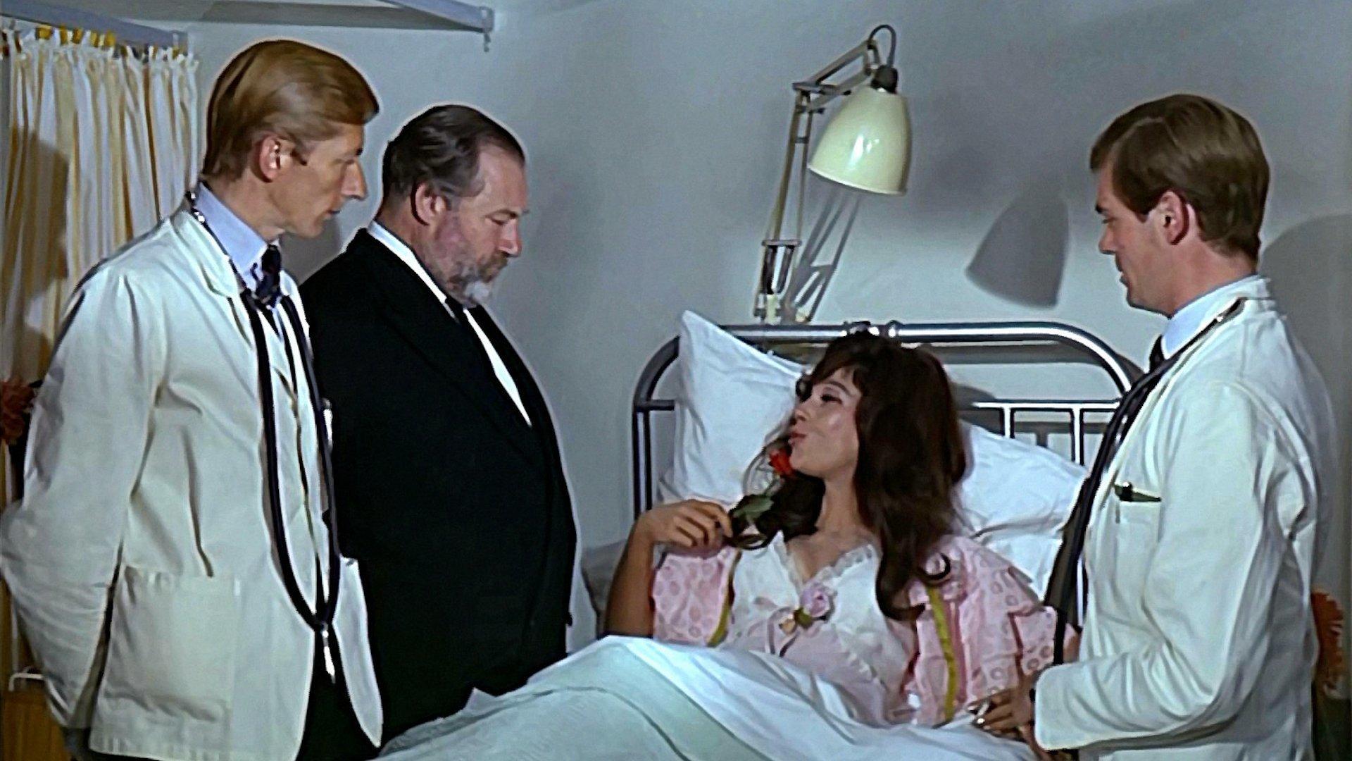 Доктор и его медсестры смотреть фото