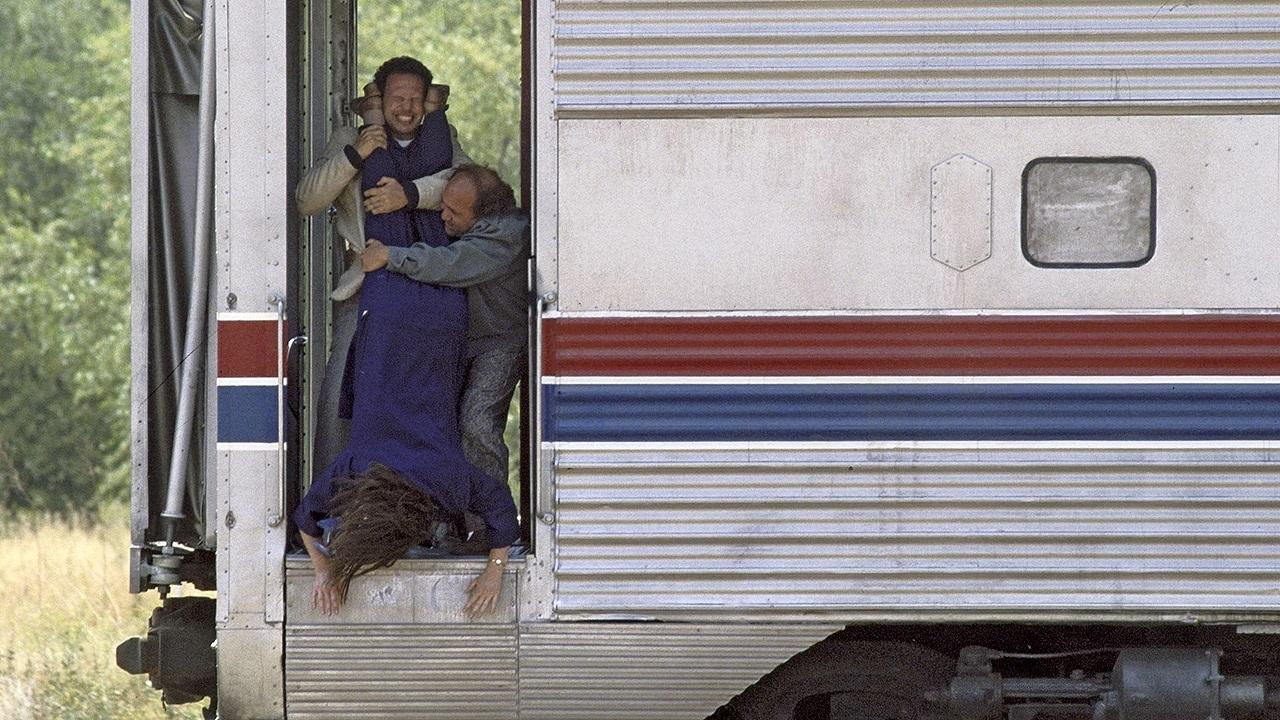 Сбрось маму с поезда смотреть фото
