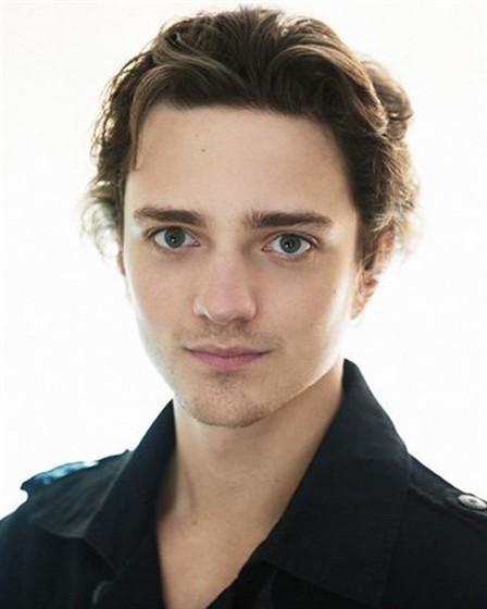 Себастьян Грегори (Sebastian Gregory)