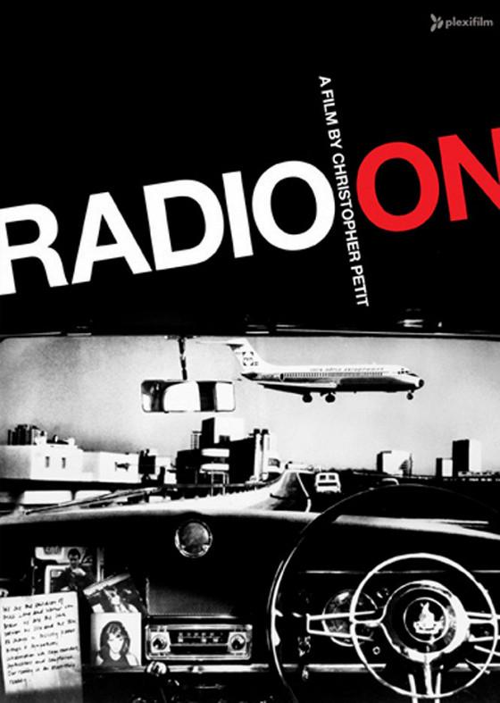 Включенное радио (Radio On)