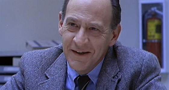 Эрл Бон (Earl Boen)