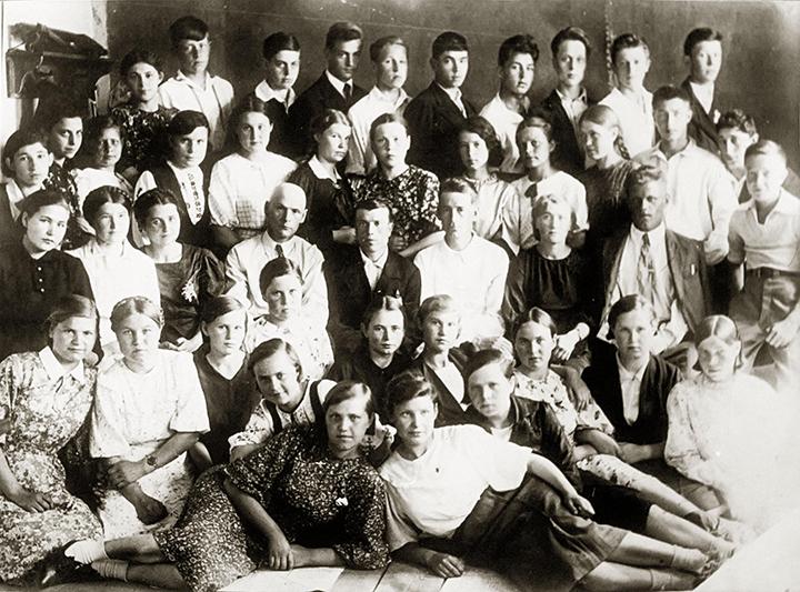 Тетюшская средняя общеобразовательная школа №1, первый выпуск военного времени, 1942-й