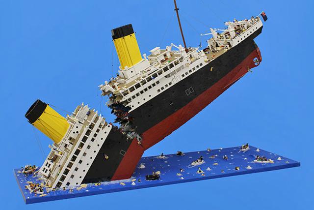 Катастрофа из Lego