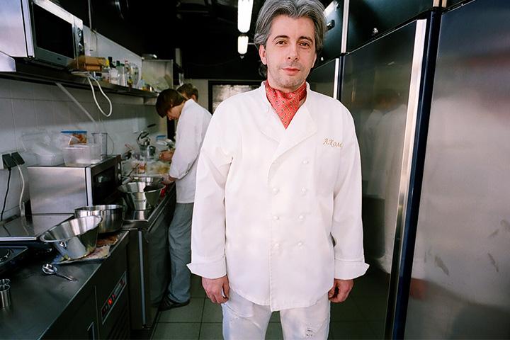 Анатолий Комм после закрытия «Варваров» и ухода из «Русских сезонов» написал книгу и запатентовал несладкое мороженое