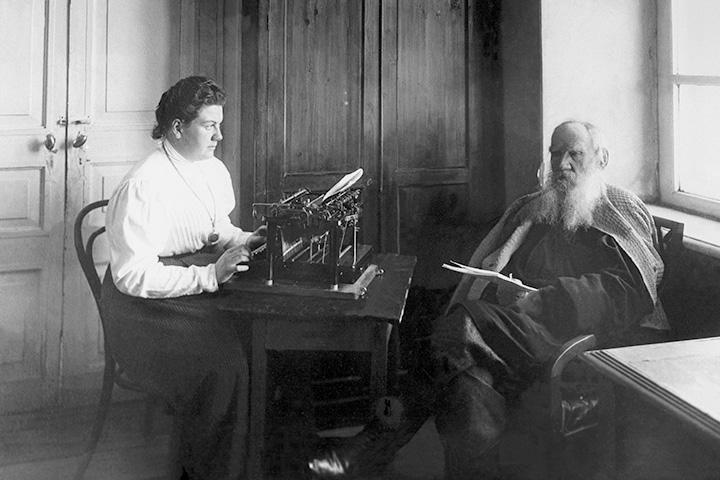 Лев Толстой с дочерью Александрой, 1909 год