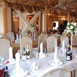 Ресторан Пуэрто Россо - фотография 3 - Часть зала.Сервировка к Свадьбе!