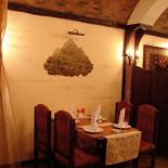 Ресторан Легенды Кавказа - фотография 3 - Общий зал ресторана