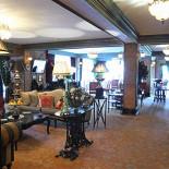 Ресторан Шато - фотография 3 - Зал ресторана с барной стойкой