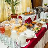 Ресторан Балкан-гриль - фотография 6 - Завтрак - шведский стол