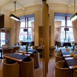 Ресторан Баловень - фотография 1 - панорамный вид зала