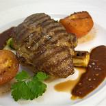Ресторан Benvenuti - фотография 6 - Стейк из свинной шейки, хоть это не реально, но так вкусно)))