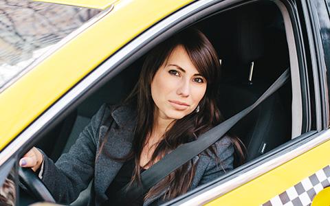 Корреспондент «Афиши» устраивается на работу в такси