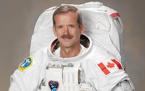 Что мы узнали из книги «Руководство астронавта по жизни на Земле»