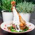 Ресторан Кусочки - фотография 6 - Запеченная нога индейки в горчично-медовом соусе с гарниром из молодой стручковой фасоли и грибов