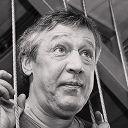 «Взял бы кто и написал драму «Ватник и хипстер»: интервью Михаила Ефремова