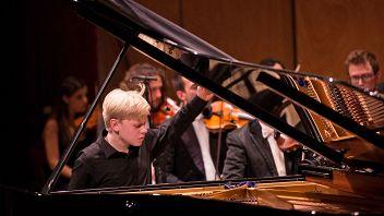 Национальный филармонический оркестр России. Дирижер Владимир Спиваков. Солист Александр Малофеев (фортепиано)