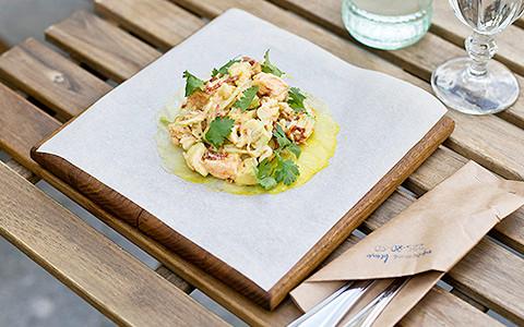 Ресторан «Простые вещи» трогает пак-чой и покупает уток на китайском рынке