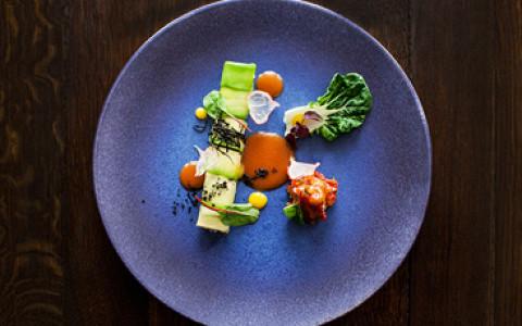 Ресторан «Как есть» на Патриарших, «Eat & Talk. В саду» в «Аптекарском огороде», концепт-стор Quiksilver Boardriders