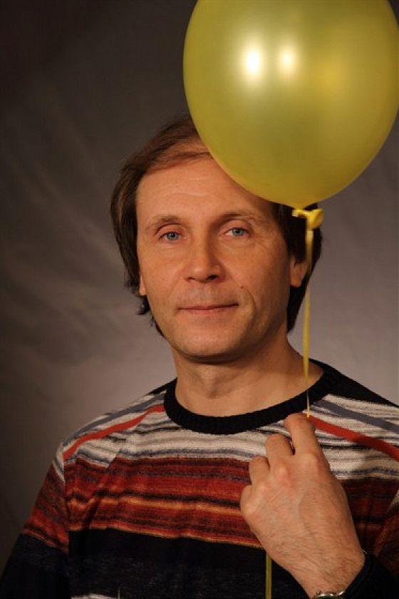 Виктор Николаев