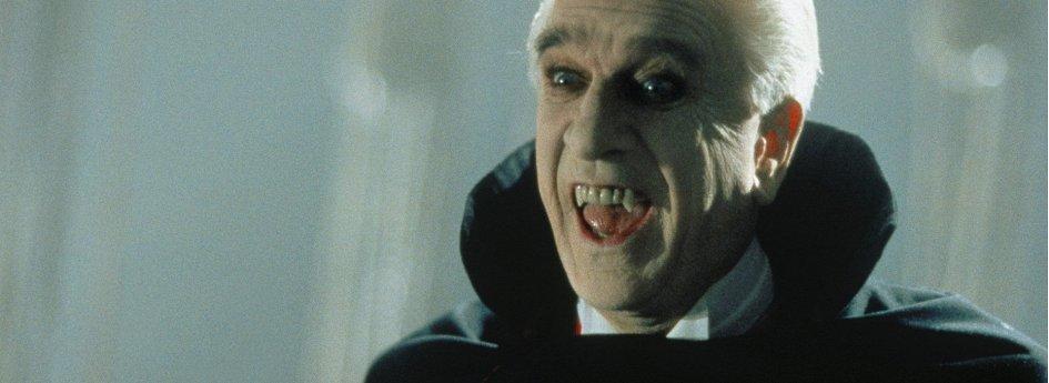 Кино: «Дракула: Мертвый и довольный»