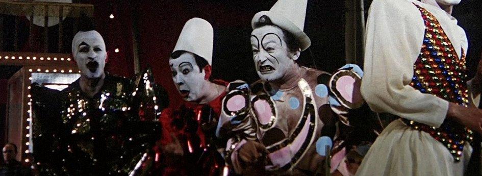 Кино: «Клоуны»