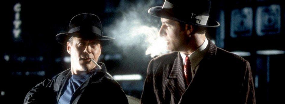 Кино: «Поющий детектив»