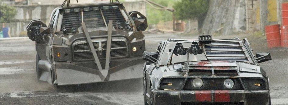 Кино: «Смертельная гонка-2»