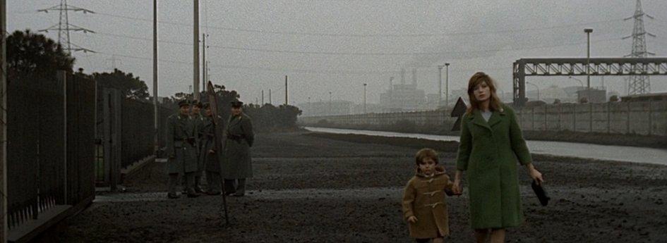 Кино: «Красная пустыня»