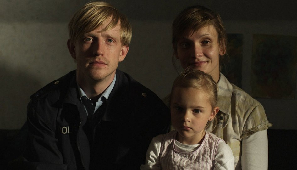 Кино: «Жена полицейского»