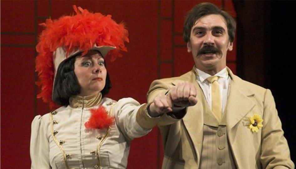 Театр: Как важно быть серьезным