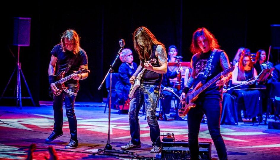 Концерты: «Metallica Show S&M Tribute»: Garage Dayz, «Русская филармония»