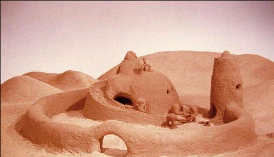 Кино: «Замок на песке»
