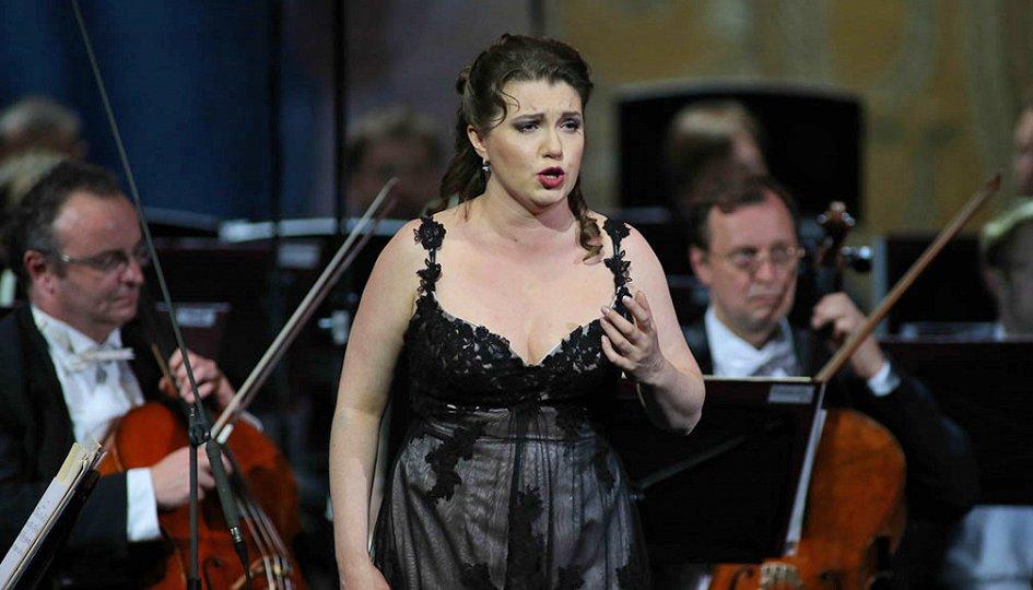Концерты: Юлия Маточкина (меццо-сопрано)