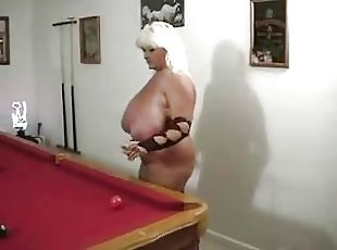 Amateur chubby girlfriend riding pov
