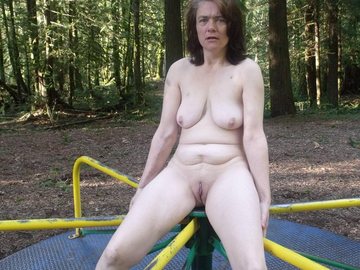 Outdoors nudist couples