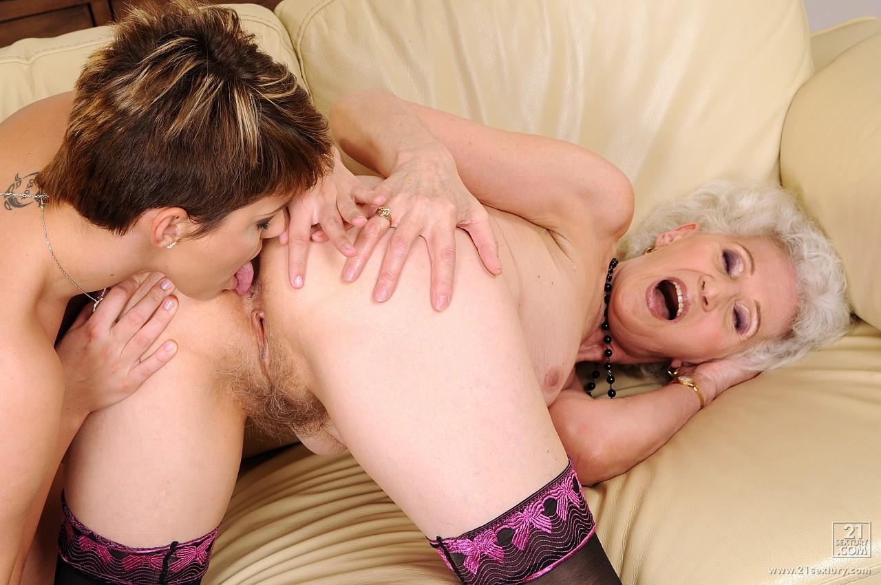 Порно лижут пожилым