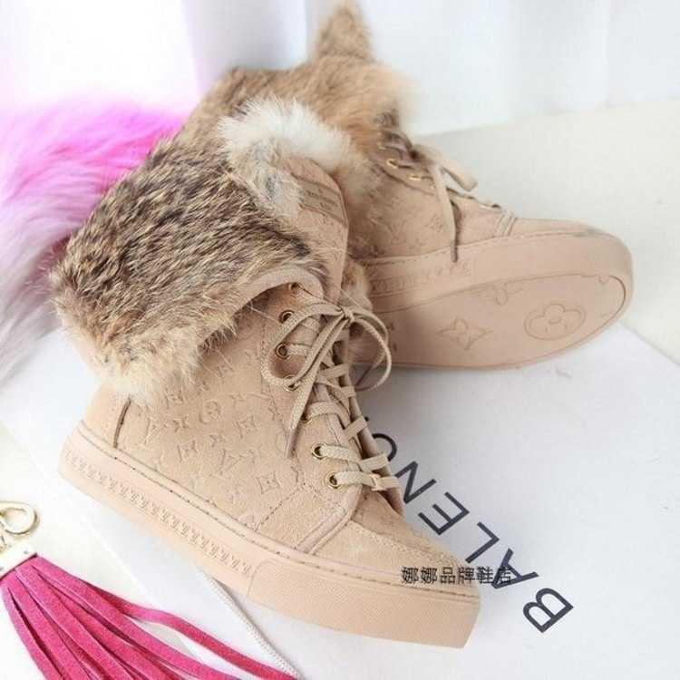 Женские меховые ботинки на шнурках