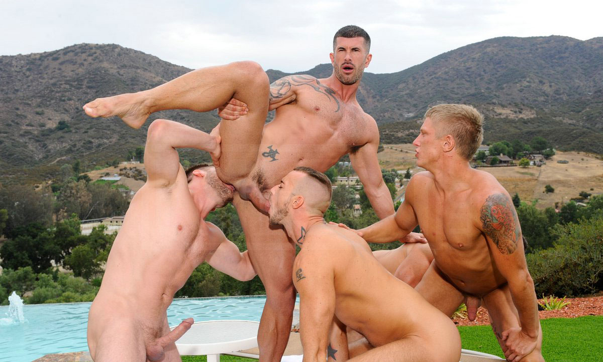 Групповуху геев смотреть онлайн фото 263-476