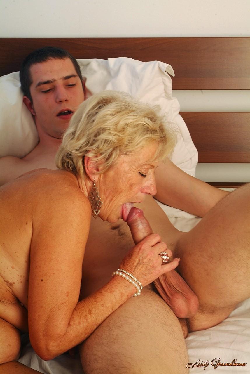 жесткий секс порно с пожилыми женщинами