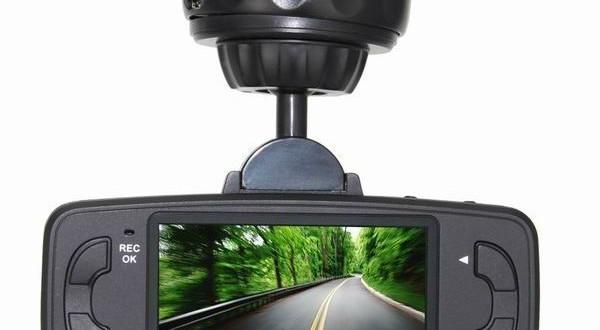 Видеорегистраторы с углом обзора 180 градусов лучшие