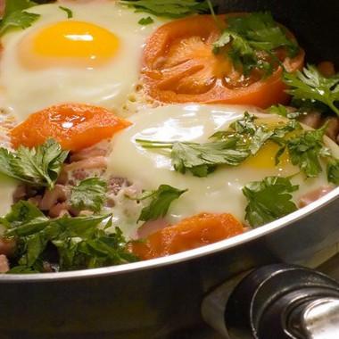 Рецепт Яйца, запеченные спомидорами