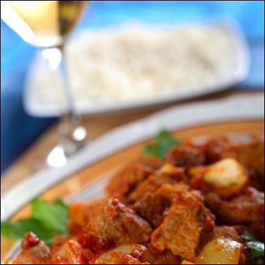 Рецепт Тушеная телятина сяблоками, корицей икрасным вином