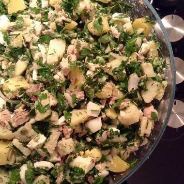 Рецепт Картофельный салат сяйцами итунцом