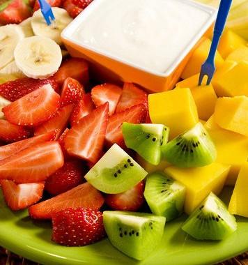 Рецепт Свежие фрукты смедово-йогуртовым соусом