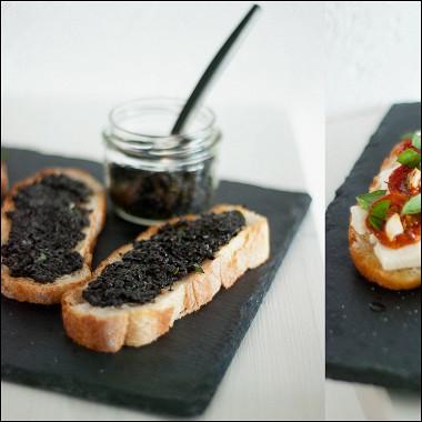 Рецепт Брускетты с вялеными томатами и оливковым тапенадом