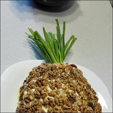 Рецепт Слоеный салат «Ананас»