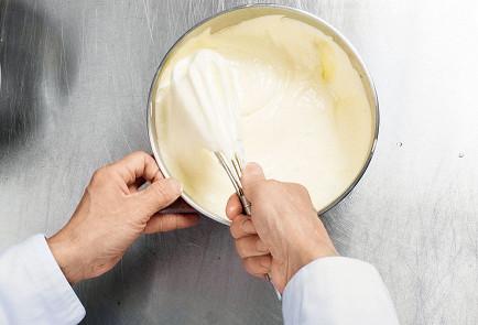 Фото приготовления рецепта: Медовик - шаг 4