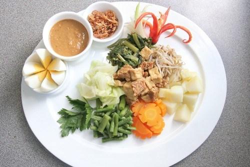 Индонезийский салат (Gado gado)