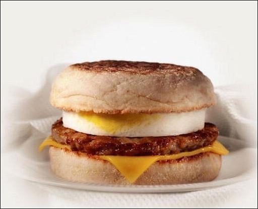 Завтрак из McDonald's. Макмаффин с яйцом и свиной котлетой