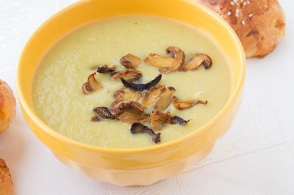 суп с грибами и плавленым сырком